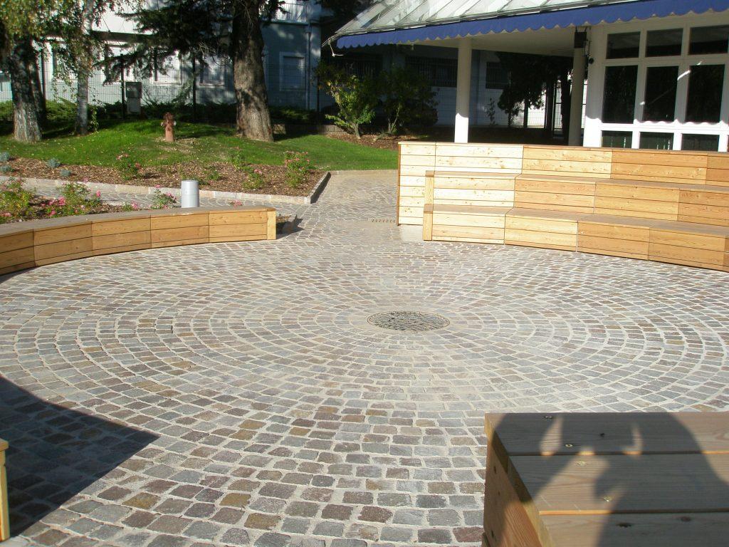 Porfido rosso grigio pavimenti esterni piastrelle scale a roma del trentino - Montaggio piastrelle ...