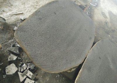 Opera incerta in basalto bocciardato