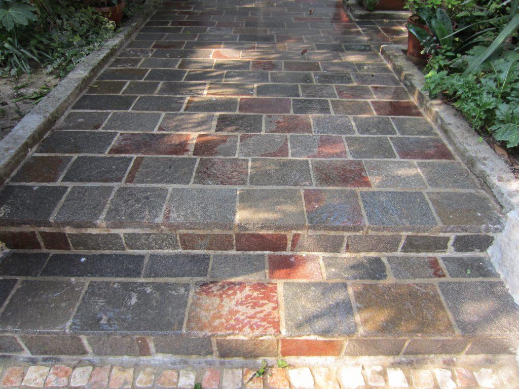 Porfido rosso grigio pavimenti esterni piastrelle scale a roma