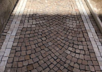 Pavimento in cubetti porfido e cubetti di Trani