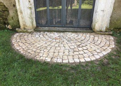 Pavimento in cubetti di Trani anticati